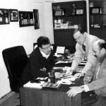 In ufficio con i collaboratori